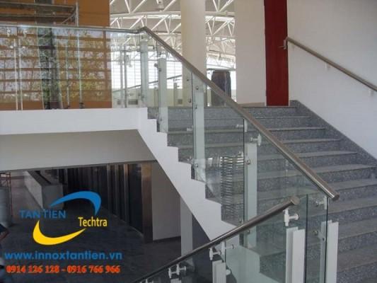 Báo giá cầu thang Inox SUS 304 tại địa bàn Hà Nội giá rẻ nhất