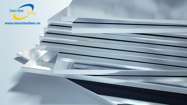 Inox tấm ngày càng phổ biến trong xã hội. Với những ưu điểm vượt trội, inox tấm góp mặt trong nhiều ngành sản xuất. Khách hàng luôn băn khoăn không biết giá inox tấm dày 2mm, 10mm bao nhiêu là hợp lý.