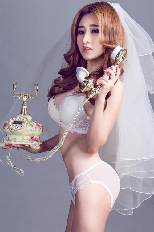 Hot girl Ivy - vợ cũ Hồ Quang Hiếu hóa cô dâu sexy với nội y