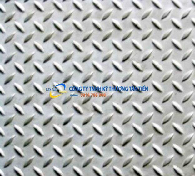 tam-inox-chong-truot-2345.jpg